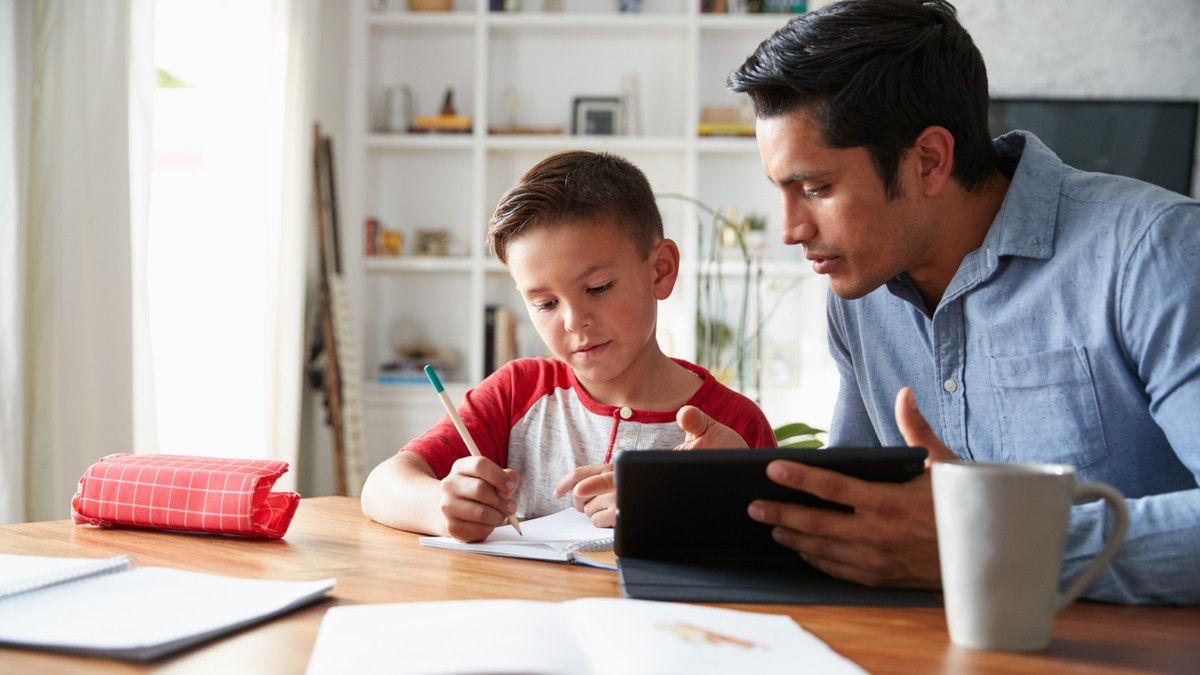 Yuk, Latih Daya Ingat Anak  Dengan Menulis di Buku Tulis
