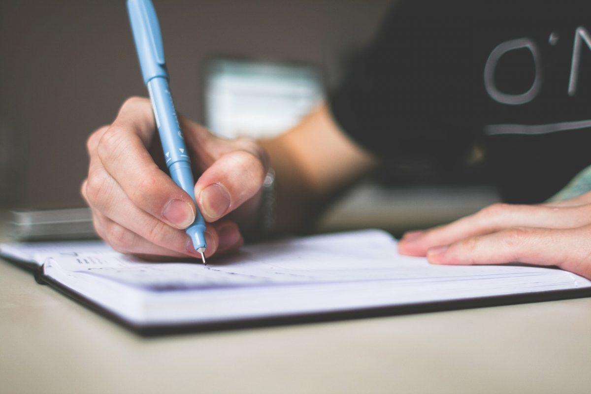 Cara Menulis Cerpen Yang Mudah Dicari, Simak Tipsnya!