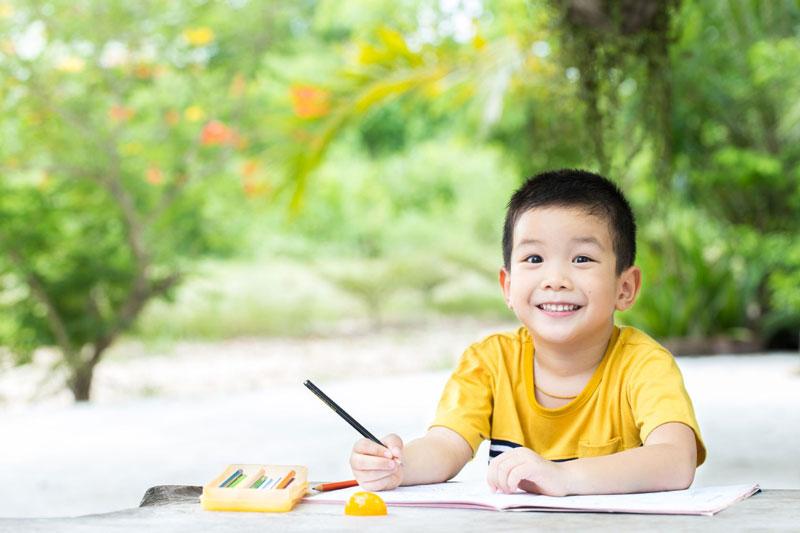 Menulis Untuk Melatih Kemampuan Motorik Anak