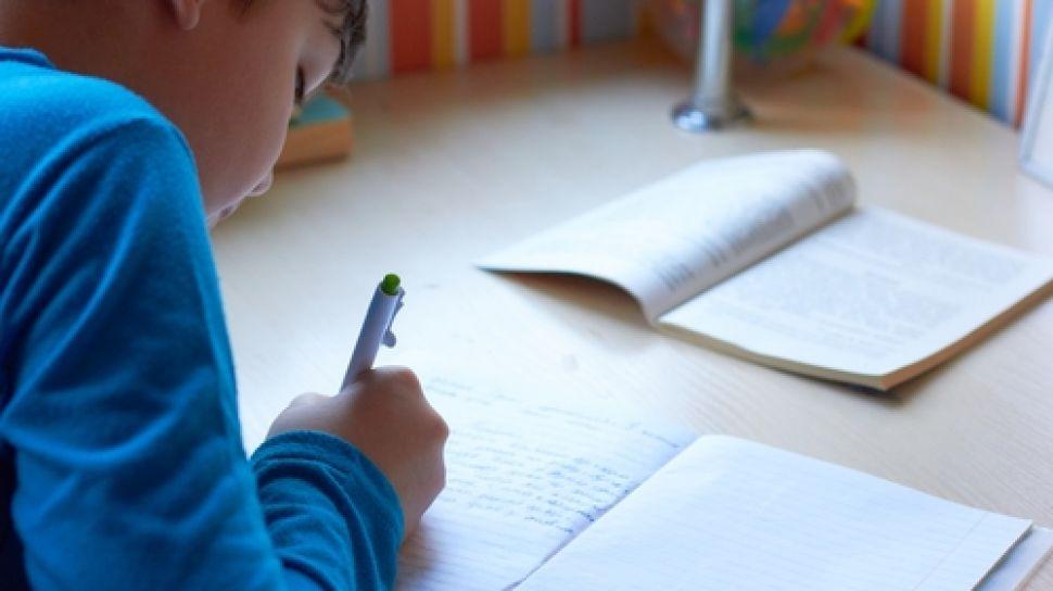 Andalkan Tulisan Tangan Selain Mengetik Ketika Belajar